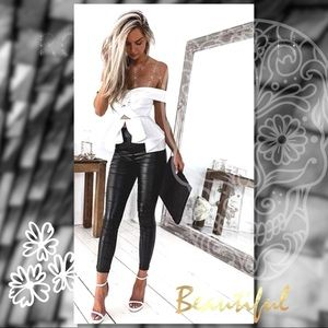 Pants - 🌟NEW🌟 Faux Leather High Waisted Leggings Med